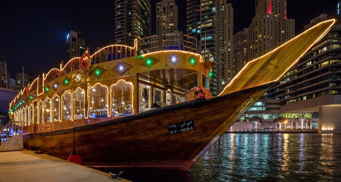 Spend your Christmas Eve at the Dubai Luxury Cruise