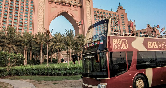 Explore the city with the Big Bus Tour