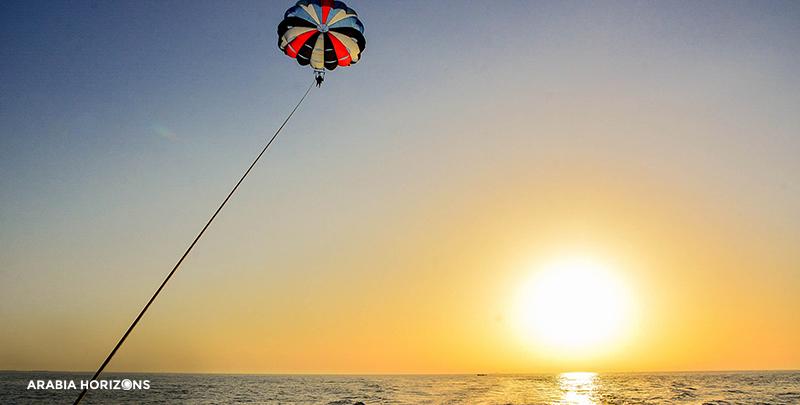 Dubai Parasailing, parasailing in dubai, paragliding in dubai